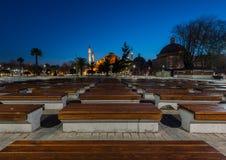 Hagia Sophia al crepuscolo con il banco di legno in priorità alta Fotografie Stock