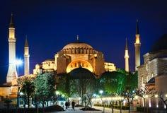 Hagia Sophia en la noche imagenes de archivo