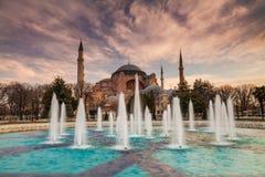 Hagia Sophia i aftonen, Istanbul, Turkiet Fotografering för Bildbyråer