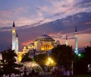 Hagia Sophia in Istanboel bij avond Stock Afbeelding