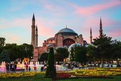 Hagia Sophia på solnedgången i Istanbul, Turkiet Royaltyfri Foto