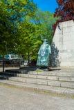 HAGUE NEDERLÄNDERNA - APRIL 4, 2008: Staty av drottningen Wilhelmina Arkivbilder