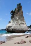 HAHEI, NUEVA ZELANDA - 9 DE FEBRERO: Playa de la ensenada de la catedral cerca de Hahe Foto de archivo libre de regalías