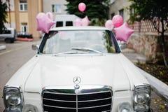 Hai, de Oekraïne - 07 November, 2017: wit retro Mercedes-Benz W114 Royalty-vrije Stock Afbeelding
