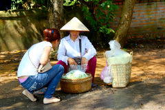 HAI DUONG, VIETNAM, SEPTEMBER, 6: Woman selling fried rice in th Royalty Free Stock Photos