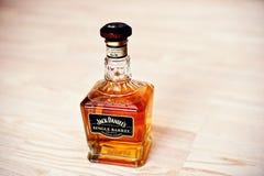 Hai, Ucraina - circa può, 2016: Bottiglia di whiskey Jack Daniels Si Immagini Stock