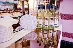 Hai, Ucraina - 25 ottobre 2016: Martini Bianko sulla tavola di buffet Immagini Stock Libere da Diritti