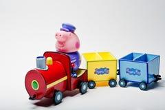 Hai, Ucrania - 10 de agosto de 2017: carácter del juguete en un tren del fa Imagen de archivo