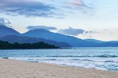 Hai Van passerande, hav och sand arkivbilder