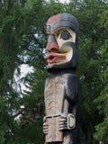 Haida Totem Pole At Legislative grundar Edmonton Alberta Fotografering för Bildbyråer