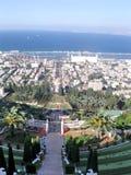 Haifa Bahai Gardens och port September 2006 Arkivbild