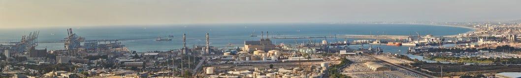 Haifa industriell port, flyg- panoramalandskapfoto Arkivbilder