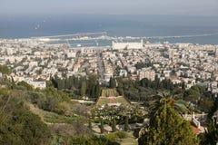 HAIFA, ISRAEL - 23 DE DICIEMBRE DE 2016: Visión panorámica desde el monte Carmelo Foto de archivo libre de regalías