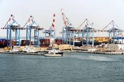 HAIFA, ISRAEL - 19 de maio - vista no porto, 2013 Imagem de Stock
