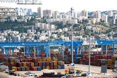 Haifa Israel - Maj 19 - port av Haifa, industriell zon, 2013 Royaltyfria Bilder