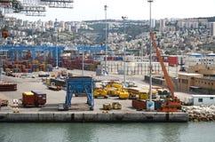 Haifa Israel Maj 19 - port av Haifa Israel, industriell zon, 2013 Arkivbilder