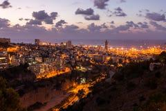 Haifa pejzaż miejski przy zmierzchem Obraz Stock