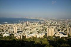 Haifa-Schacht und Stadt Lizenzfreie Stockfotos