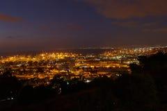 Haifa-Stadt, panoramisches von der Luftfoto der Nachtansicht Landschafts Lizenzfreies Stockfoto