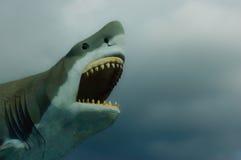 Haifisch im Himmel Stockfotografie