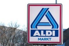Haiger, hesse/Alemanha - 17 11 18: o aldi assina dentro o haiger Alemanha fotografia de stock royalty free