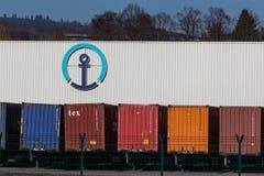 Haiger, hesse/Alemanha - 17 11 18: o nagel do und do hne do ¼ do kà assina dentro o haiger Alemanha imagens de stock royalty free