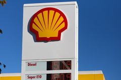 Haiger, hesse/germany - 17 11 18: shell sign in haiger germany stock images