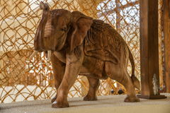 Hainan Tunchang dnia półwysepa Jeziornego klubu drewniany słoń Obraz Stock