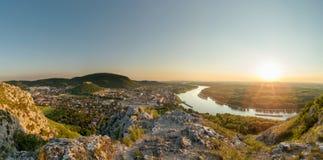 Hainburg-Panorama, Toskana Stockbilder