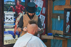 Free Hairdresser In The Cylinder Cap Stock Photos - 97618753
