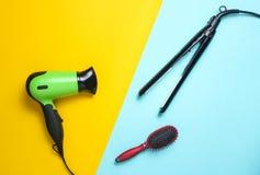 Hairdryer, fryzowania żelazo, hairbrush obraz stock