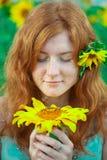 haired röd solroskvinna Royaltyfria Foton