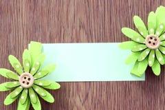 Hairpins зеленой бумаги картины и примечания цветка Стоковое фото RF