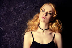 Hairstyling blond Photographie stock libre de droits