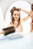 hairstyling Veranderende kleuren Stock Afbeeldingen