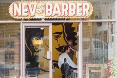 Hairstylist fryzjera męskiego sklepu wejście Fotografia Stock