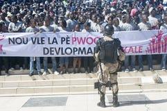Haitians que exigem a paz Imagens de Stock