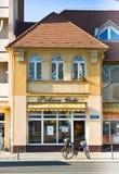 HAJDUSZOBOSZLO,匈牙利- 11月2,2015 :面包店在Hajduszoboszlo在秋天,匈牙利 免版税库存图片