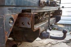 Hake på en gamla SUV arkivbild