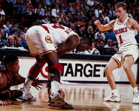 Hakeem Olajuwon en Scott Brooks Stock Foto's