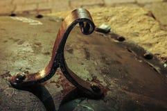 Haken/Griff für Wasserbrunnenabdeckung Venedigs Italien Stockfotografie