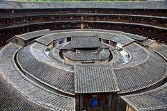HakkaRoundhousetulouen walled byn, Fujian, Chi Arkivfoton