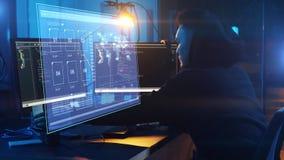 Hakker die computervirus voor cyberaanval gebruiken stock footage