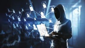 Hakker met laptop en het digitale cyberspace scherm stock afbeelding