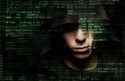 Hakker op het werk stock afbeelding