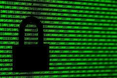 Hakkerconcept computer binaire codes en hangslot Stock Afbeelding