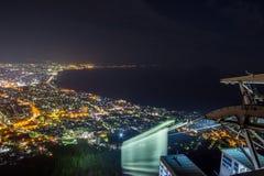 Hakodate, Hokkaido, Japan op 28,2018 April: Zet Ropeway van Hakodate en spectaculaire meningen van de stad van Hakodate op Één va Stock Afbeelding
