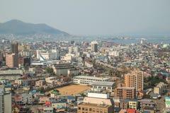 Hakodate Hokkaido, Japan på April 29,2018: Hakodate stad och montering Hakodate som sett från det Goryokaku tornet Royaltyfria Bilder