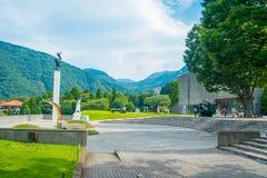 HAKONE, JAPAN - JULI 02, 2017: Mooi gebied met een vierkant het Openluchtmuseum of Hakone Chokoku van Hakone Geen Mori Stock Afbeeldingen
