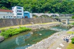 HAKONE JAPONIA, LIPIEC, - 02, 2017: Piękny widok rzeka przy Hakone miasteczkiem Zdjęcie Royalty Free